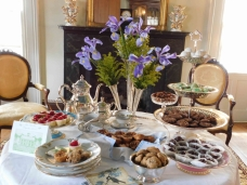 Refreshments in the parlor give a preview of the upcoming Vignettes Fundraiser.jpg